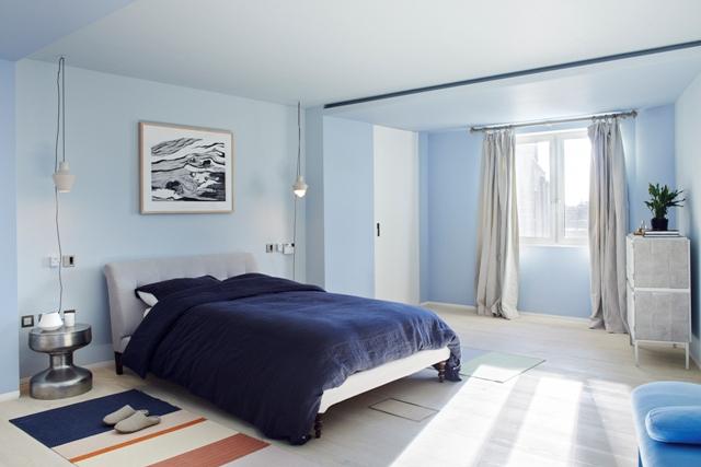 Large bedroom 6