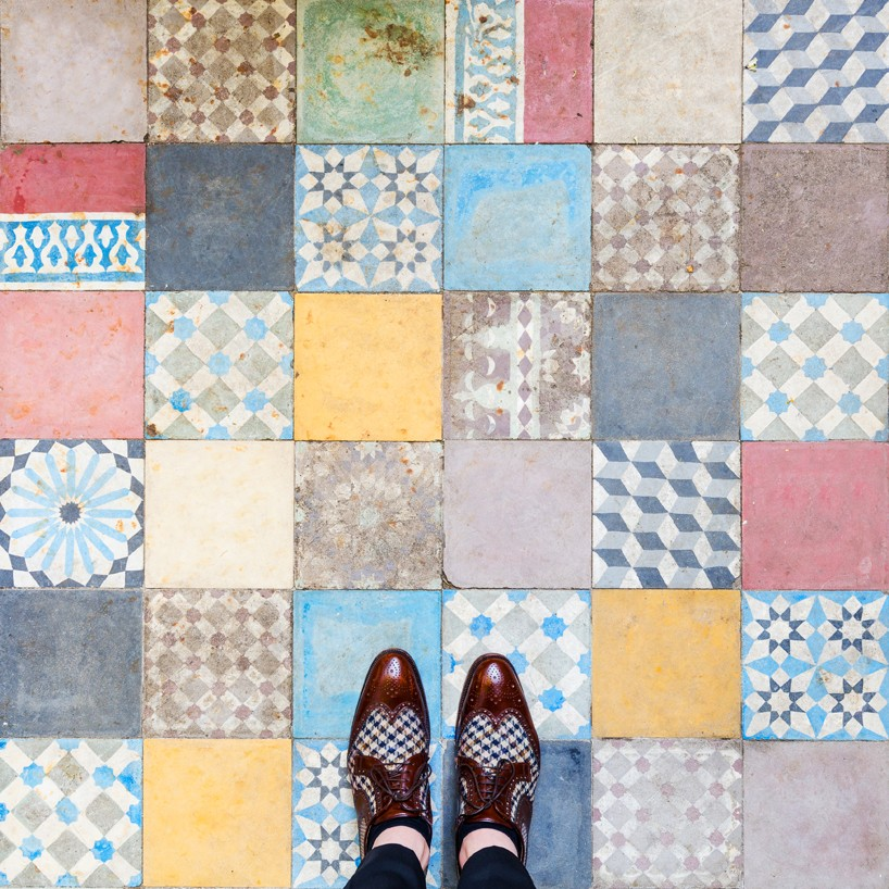 Rococo-Chocolates-pixartprinting-sebastian-erras-london-floors-designboom-818x818